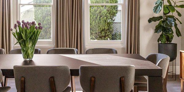 Stoły i krzesła do niewielkich pomieszczeń